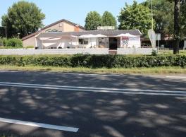 Rhenoy | cafetaria met groot terras