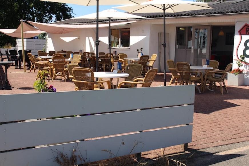 Rhenoyseweg 11, ,Cafetaria/Snackbar,Verkocht,Rhenoyseweg,1061